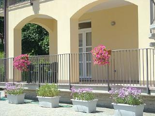 Charming 1 bedroom Ossuccio House with Deck - Ossuccio vacation rentals
