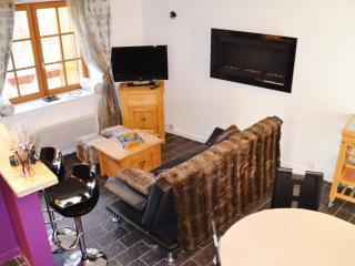 Les Gîtes de Capucine face aux 3 Vallées - Montagny vacation rentals