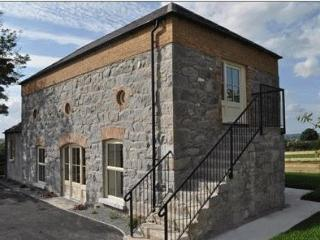 Comfortable Barn with Internet Access and Television - Rathfriland vacation rentals