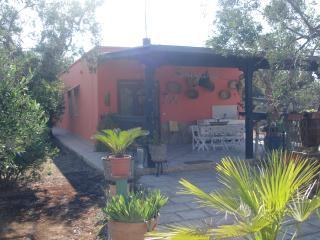 Cozy 2 bedroom Sannicola Cottage with Stove - Sannicola vacation rentals