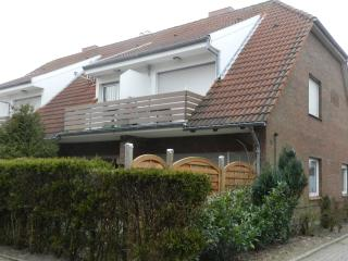 Cozy 1 bedroom Cuxhaven Apartment with Short Breaks Allowed - Cuxhaven vacation rentals