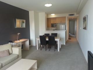 2 Bdrm split level apartment in Sydney's Chinatown - Sydney vacation rentals