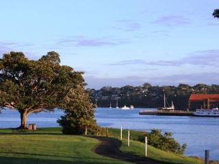 2 bedroom cottage in a quiet street in Balmain - Balmain vacation rentals