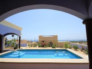 Casa Antigua,Classic Mexican style with all the amenities - La Ventana vacation rentals