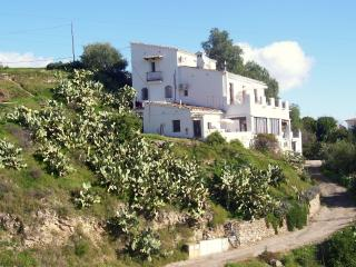 HUGE VILLA IN PRIME LOCATION.  POOL & SEA VIEWS - Bedar vacation rentals