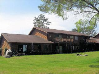 Eagle Pointe Villa-On Lake-Snowmobile & Bike Trls - Eagle River vacation rentals