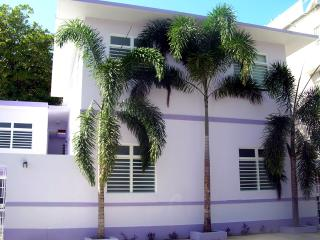 4 Bed & 2 Bath Villa - 20 Steps to the beach - Isla Verde vacation rentals