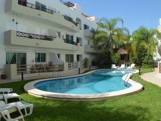 Downtown, Walk to Beach, Wi-fi, Pool, Great Value - Playa del Carmen vacation rentals