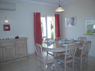 3 bedroom Villa with Internet Access in Lagoa - Lagoa vacation rentals