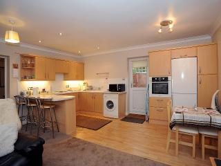 GUEST GARDENS APARTMENT - Milton Keynes vacation rentals