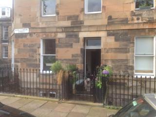 Edinburgh private garden flat - Edinburgh vacation rentals