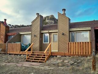 Great views and outdoor pool - Hallett Peak - Allenspark vacation rentals