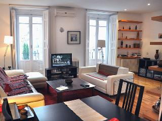 COZY! LUX, Historical Centre - Madrid vacation rentals