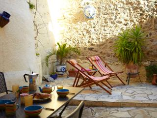 Spacious 3 bedroom village house in the heart of Laroque des Alberes - Millas vacation rentals