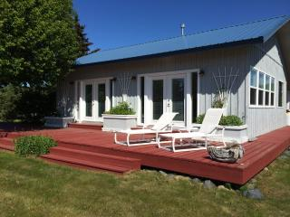 RISING TIDE oceanfront cottage in Homer - Halibut Cove vacation rentals