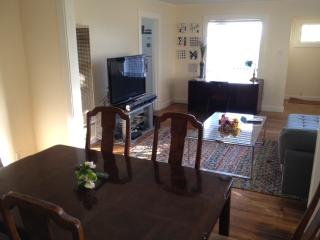 One Bedroom House (CAR AVAILABLE) - Oakland vacation rentals