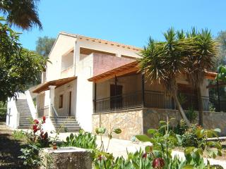 3 spacious & cozy apts X 4 beds on Corfu island 1. - Kavos vacation rentals