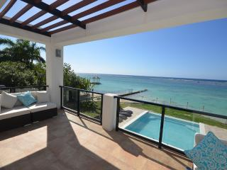 Dreamtime - Beachfront in Montego Bay Jamaica - Ironshore vacation rentals