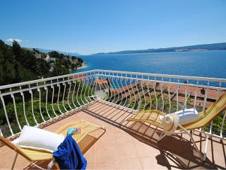 Villa Sunny for 7 persons in a peaceful location - Marusici vacation rentals