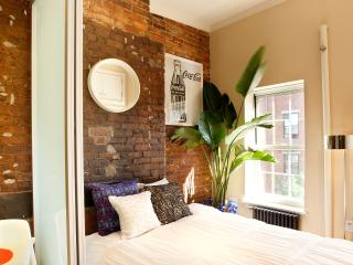 Vintage East Village 1-Bedroom with Exposed Brick - New York City vacation rentals