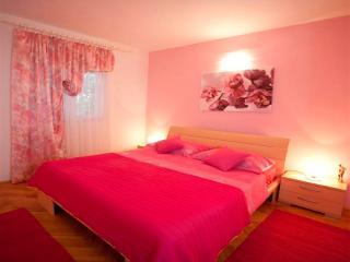 Villa Seaview-Apart. Tangerine - Okrug Gornji vacation rentals