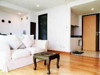 Nice Condo with Deck and Ceiling Fans - Hua Hin vacation rentals