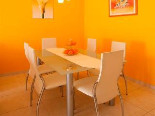 Villa Seaview-Apartment Orange - Okrug Gornji vacation rentals