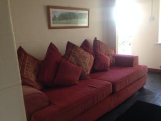 Cozy 3 bedroom Cottage in Aberdare - Aberdare vacation rentals