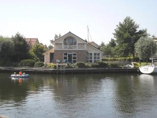 Bungalow a/t waterfront, wheelchair OK, launch boat - Friesland vacation rentals