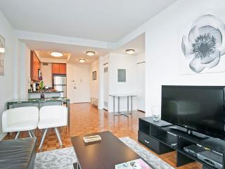 Midtown Upscale Spaciou 2br-2bth - New York City vacation rentals