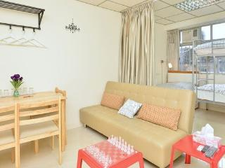 MTR/Mongkok/Clean/Home-like/5-8ppl/BH - Hong Kong Region vacation rentals