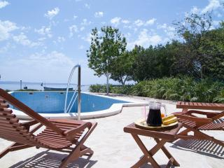 Peaceful and Beautiful Villa with pool close to the sea - Split vacation rentals