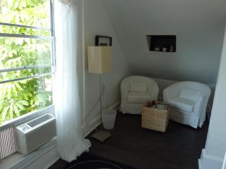 Studio Miami Suite in Fort Myers - Fort Myers vacation rentals