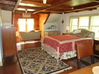 chestnut lodge Queens Room - Lee vacation rentals