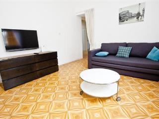Bauhaus, renovated and peaceful! @ Ness tsiona st.! - Tel Aviv vacation rentals