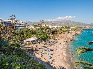 Romantic 1 bedroom Apartment in Nerja with Internet Access - Nerja vacation rentals