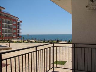 1 bedroom Apartment with A/C in Elenite - Elenite vacation rentals