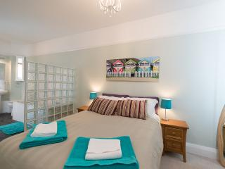 3 bedroom Apartment with Internet Access in Milford on Sea - Milford on Sea vacation rentals