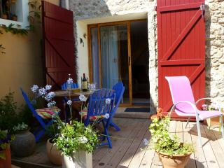 Perfect 2 bedroom Fuilla Gite with Internet Access - Fuilla vacation rentals