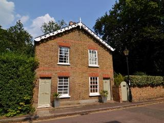 Richmond Upon Thames Cottage with Roof Terrace - Richmond vacation rentals