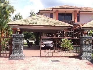 4 bedroom Villa with Internet Access in Sungai Petani - Sungai Petani vacation rentals