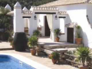 Nice Cottage with Internet Access and Hot Tub - Villanueva del Trabuco vacation rentals