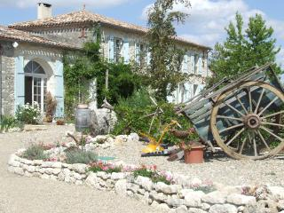 Comfortable Bed and Breakfast with Internet Access and Dishwasher - Duras vacation rentals