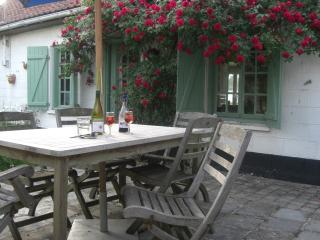 Charming 2 bedroom House in Hesdin with Microwave - Hesdin vacation rentals
