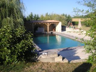 3 bedroom Farmhouse Barn with Internet Access in Fort sur Gironde - Fort sur Gironde vacation rentals