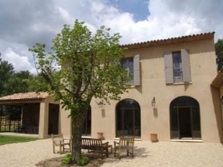 Aix En Provence Holiday Rental, Terrific 4 Bedroom Villa - Aix-en-Provence vacation rentals