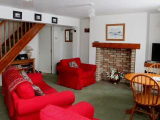 Comfortable Cottage with Internet Access and Television - Durham vacation rentals