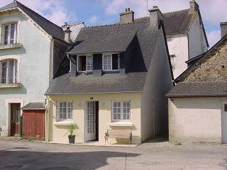 Lovely cottage, Gite with log fire with FREE WIFI - Chateaulin vacation rentals