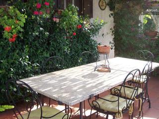 Marily's house,  flat in villa near Rome e Napoli - Castellonorato vacation rentals