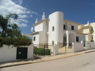 Casa Maurice excellent and in an ideal location - Lagos vacation rentals